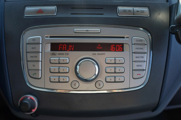 Bazar Ford Transit Connect 210S 1,8 TDCI Klima - 13