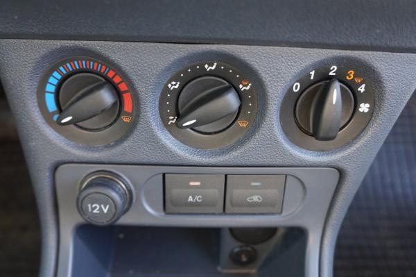 Bazar Ford Transit Connect 210S 1,8 TDCI Klima - 14