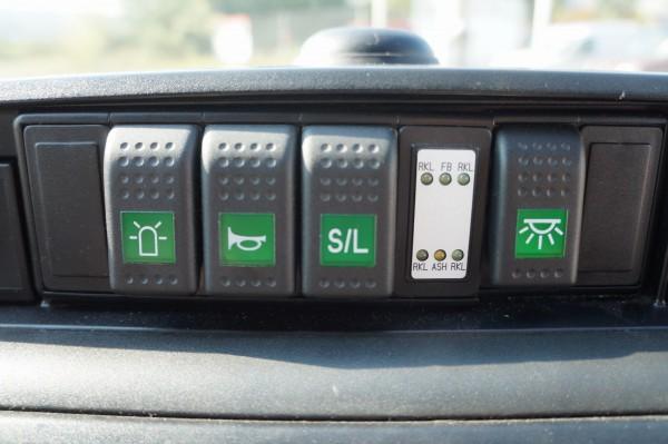Dodávka Volkswagen Caravelle 2.5TDI SANITKA - 9