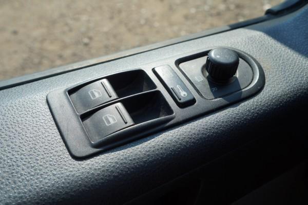 Dodávka Volkswagen Caravelle 2.5TDI SANITKA - 10
