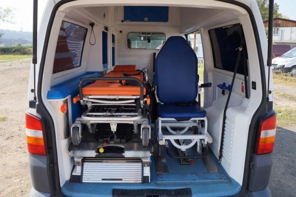 Dodávka Volkswagen Caravelle 2.5TDI SANITKA - 19