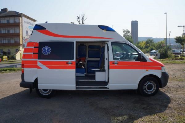 Dodávka Volkswagen Caravelle 2.5TDI SANITKA - 23