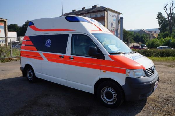 Dodávka Volkswagen Caravelle 2.5TDI SANITKA - 2