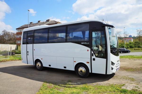 isuzu novolux bus 30 1 m st nov z ruka top euro 6 minibus dod vky a u itkov vozy. Black Bedroom Furniture Sets. Home Design Ideas