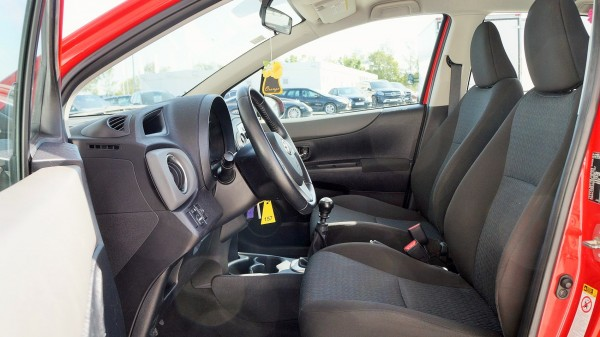 Toyota: bazar, dodávky a užitkové vozy a vozidlaToyota   AC Dodávky