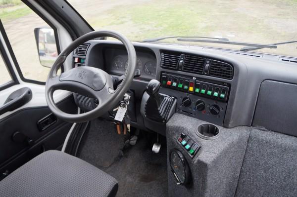Dodávka Peugeot Boxer Q-BUS 2.5d 16+1 míst - 11