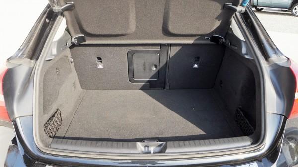 Mercedes: bazar, dodávky a užitkové vozy a vozidlaMercedes | AC Dodávky