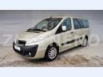 Peugeot-minibus