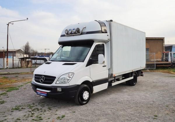 Mercedes-skrin