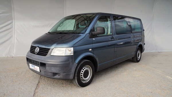 Isuzu-minibus